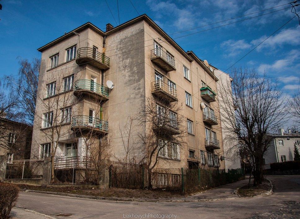 будинок по вул. Пісковій, 21