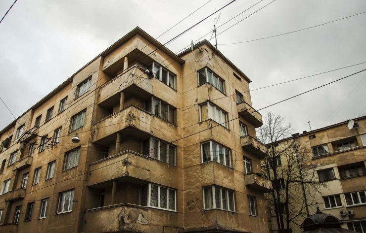 вул. Чупринки 16-18