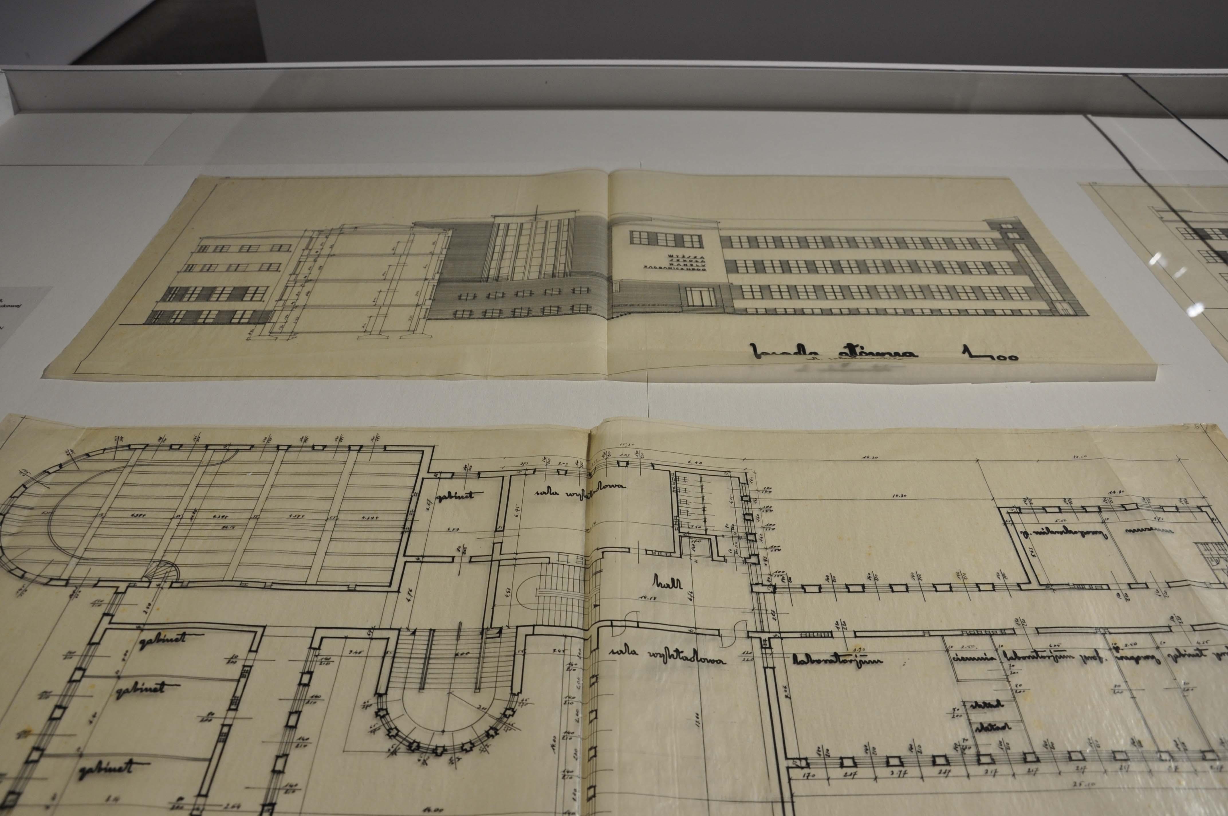 Креслення будинку. Фото з виставки Lwów 24 czerwca 1937. Miasto, architektura, modernizm