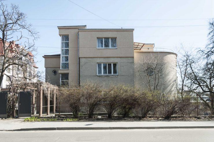 вул. І. Франка, 141