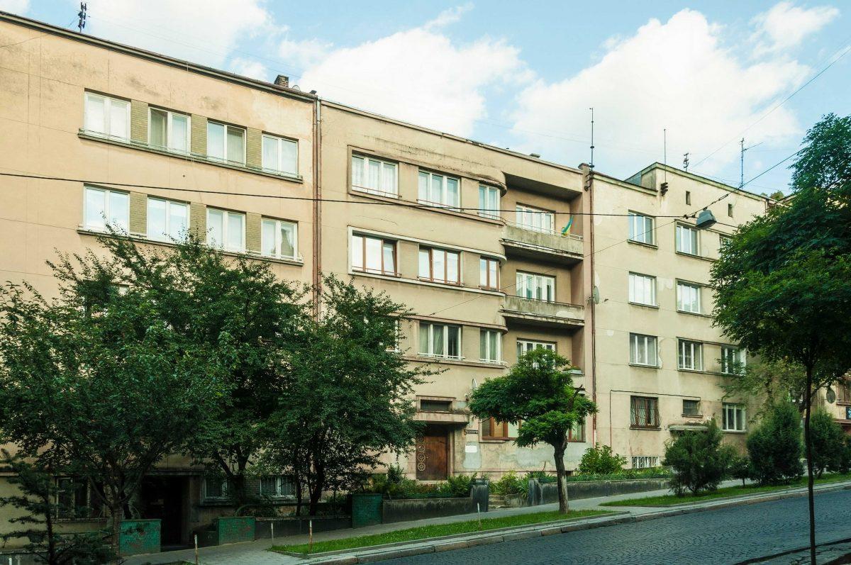 Будинки на вул. Героїв Майдану, 5-5А